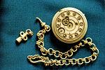 Часы из кости