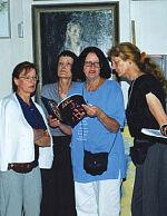 Правнуки Е.А. Гончаровой Мари-Элен, Элизабет, Клер Симон и переводчик С. Зеркалова (вторая справа) в Ульяновске