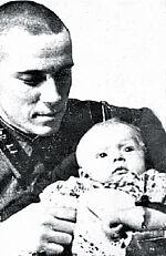 Григорий Григорьевич Пушкин с сыном. 1937 г.